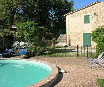 Country house divided in 2 apartments in Perugia