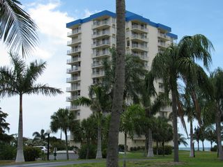 Fort Myers Beach condo photo - View of building from the street