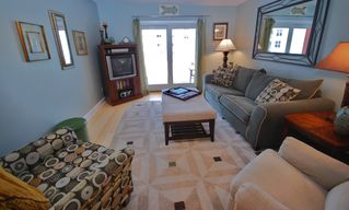New Smyrna Beach condo photo - Spacious living room