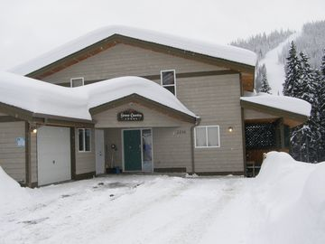 Sun Peaks chalet rental - Welcome To Snow Country Lodge