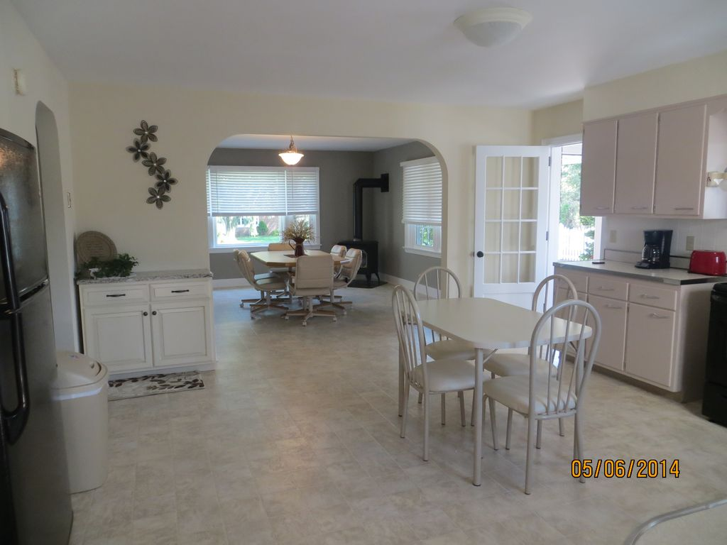 Amish country rental newly renovated 3br house in the for F kitchen lancaster