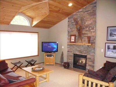 "Large Great Room / Wood Ceilings / 42"" Plasma TV"
