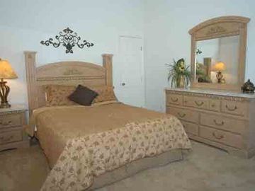 Queen Bedroom with Ensuite Bathroom