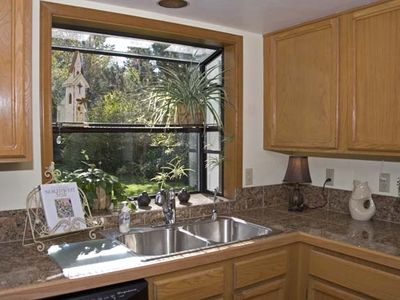 Sunny Kitchen with Greenhouse Window, Garden View & Fully Stocked