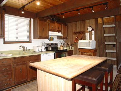 Tahoe City house rental - Open Kitchen