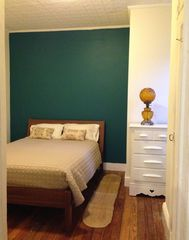 Brooklyn apartment photo - Separate Bedroom with queen-size bed