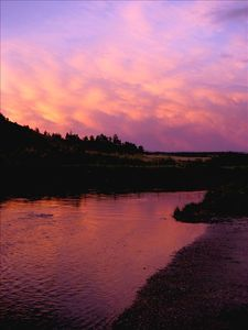 Enjoy a spectacular Montana sunset over the river!