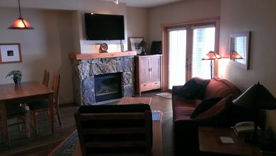 Walk to Lifts, Center Village, 1 Bedroom PLUS DEN,Penthouse, Sleeps 7,