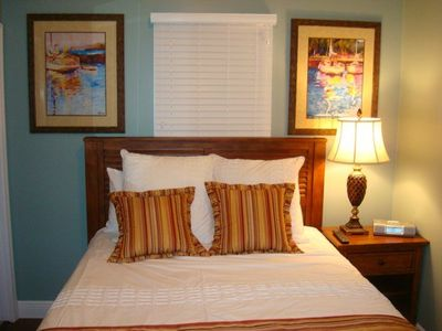 Duck Key villa rental - Guest bedroom with queen bed