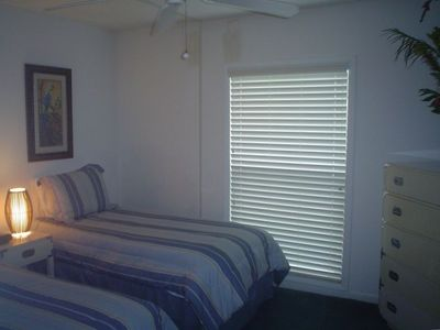 Guess Room with Twin Beds