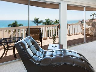 Malibu villa photo - Living Room and Balcony