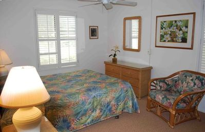 Spacious 2nd bedroom with queen bed.