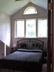 Bartlett condo photo - Master bedroom with crank open windows