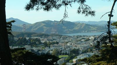 View From the Top of Buena Vista Park. 30m walking - 10 by car. Worth the Climb!