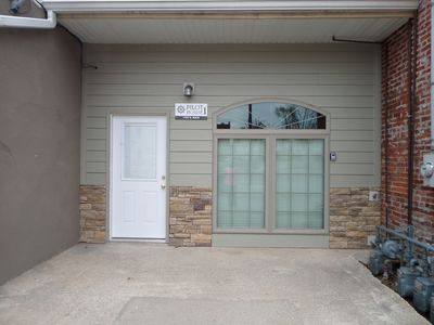 Beautifully Finished Apartment Located In The Heart Of Downtown Hannibal, Mo.