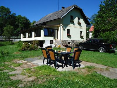 A pleasant holiday home in the heart of the countryside near the German border.