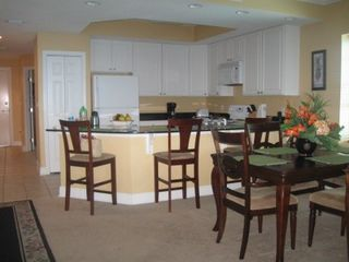 Gulf Shores condo photo - Fully equipped kitchen including bar