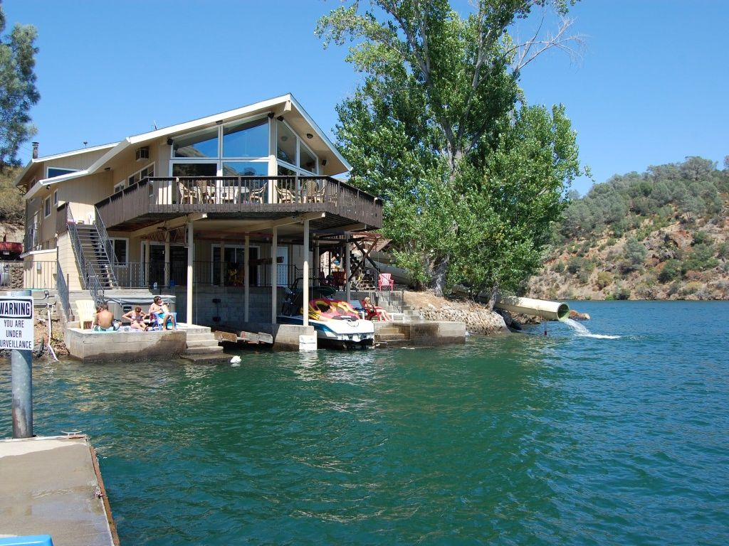 Image gallery lake tulloch for Fish rock rentals