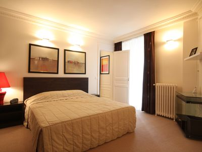 Extra large bedroom with King Size bed