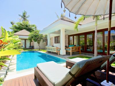 Your villa's private pool measures 9x3 m
