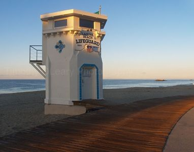 Historic Lifeguard Tower and Main Beach are a 5 minute walk