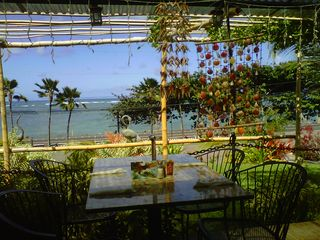 Kaaawa house photo - The crouching lion is a facvorite spot for dining and its 5 minutes away