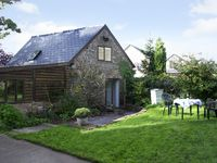 PEMBRIDGE COTTAGE, pet friendly in Welsh Newton, Ref 1601