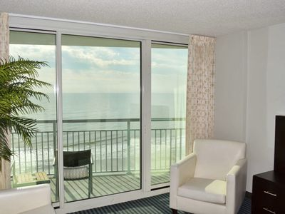 Breathtaking Pristine Luxury 1Br/1Ba 4th Floor/Oceanfront/heated pools/Quiet/Wif