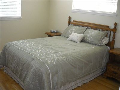 Bedroom with Queen Bed. All linens provided.