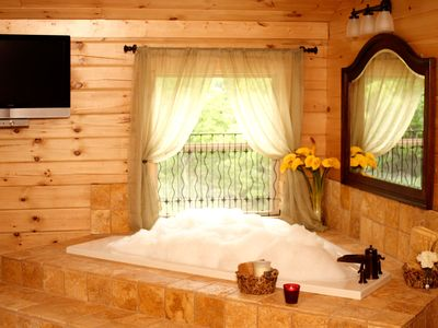 Black Mountain cabin rental - After a good hike soak your muscles in the jetted master jacuzzi tub.