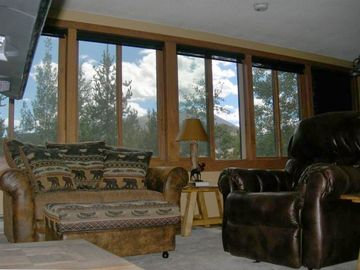 Breckenridge Peak 8 condo rental - Beautiful Mountain views and panoramic views of Main St