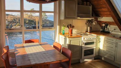 Family friendly cottage for 6 at the fjord for active holiday. Boat, bicycles and kayak ink