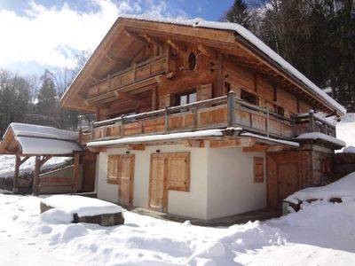 New luxury chalet in old wood, true wellness and views of Mt Blanc