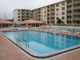 New Smyrna Beach condo photo - Pool is heated seasonally