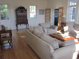 Edgartown cottage photo - Family Room (2)