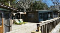 Waterfront 2 Bedroom - WIFI, Bikes, Parking, Boat Dock & Boat Rentals Available