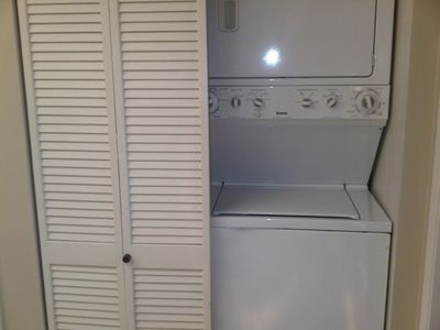 Washer/Dryer Combo in Unit