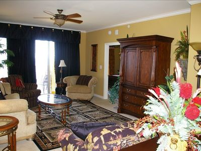 North Carolina Custom Furniture on Room Extremely Comfy Custom Furniture 9 Foot Ceilings Warm   Cozy