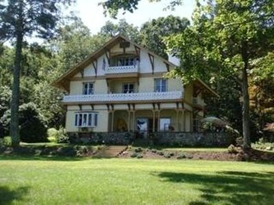 SAVE $500. Magnificent Lakefront  Victorian Mansion on Crystal Clear CT Lake