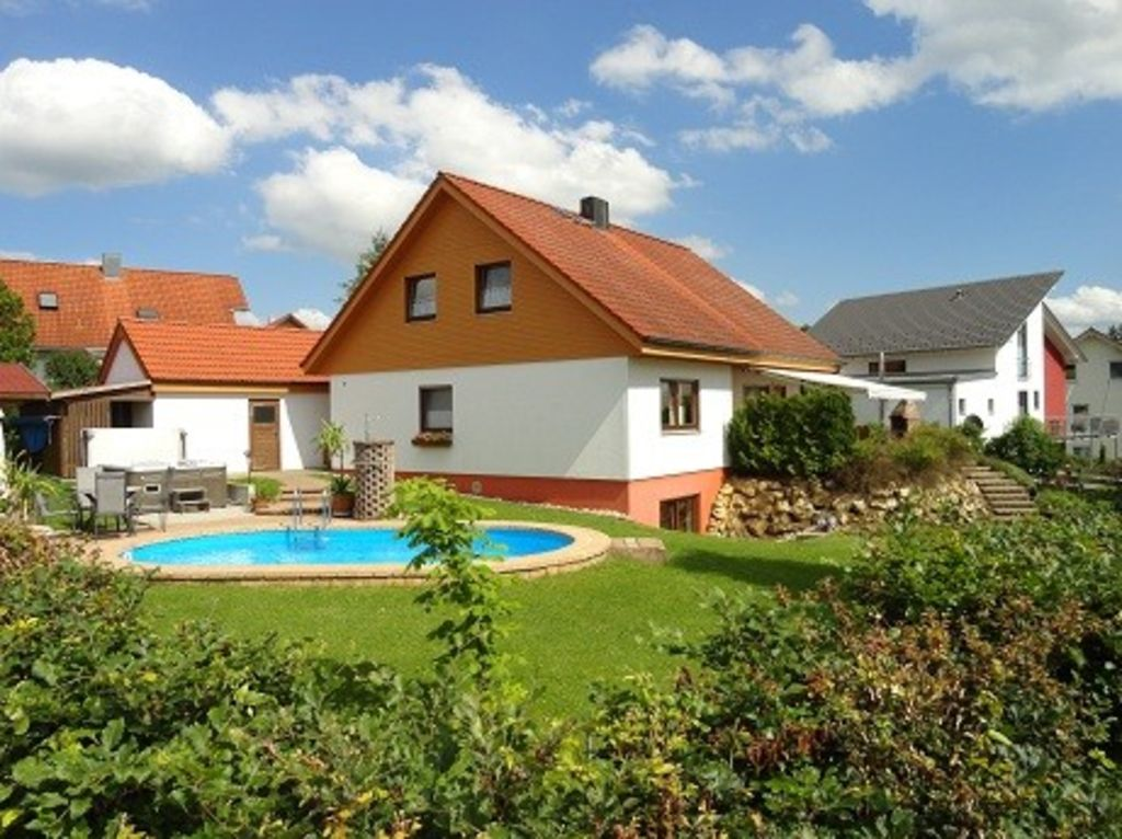**** Apartment with large garden in quiet location of Neufra