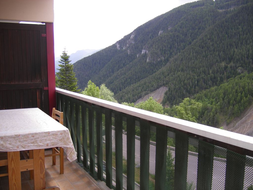 Peaceful apartment, close to the beach , Auron