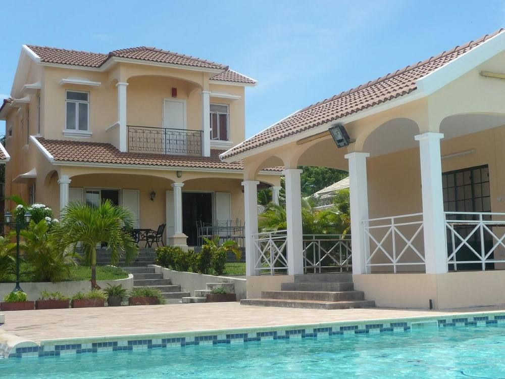 Luxury 3 Bedroom Villa With Huge Swimming Pool Tv Dvd 6434445