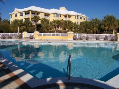 2+BR/2BA Condo in Gorgeous Gated Community!