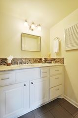 Austin townhome photo - Bathroom