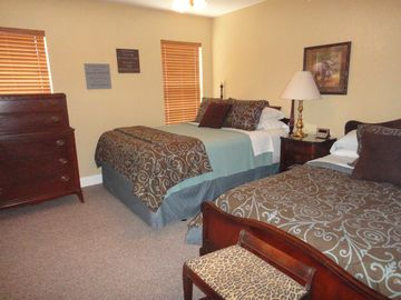 Second bedroom with Queen & Double beds