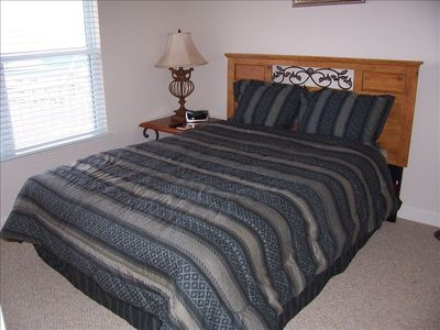 Guest Bedroom w/ Queen size bed