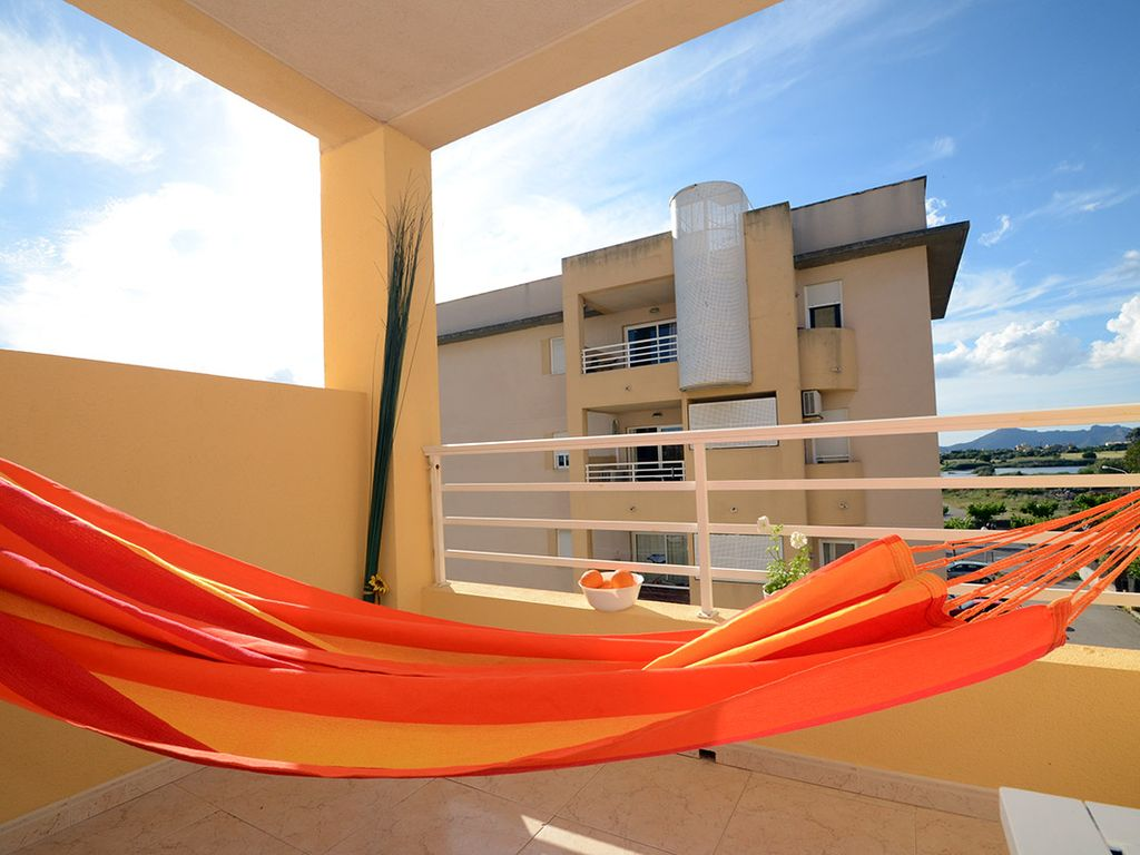 Alcudia magic new refurnished apartment with balcony for for Hammock for apartment balcony