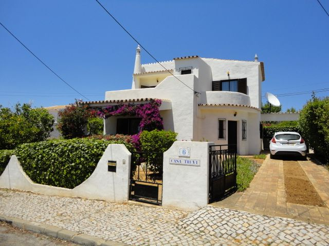 Accommodation near the beach, 600 square meters,