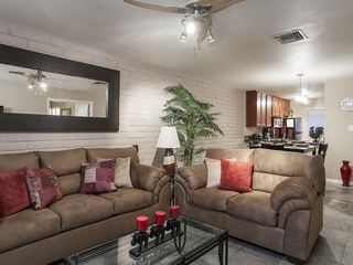 Old Town Scottsdale condo photo - Living Room