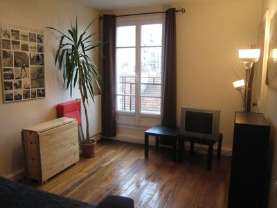20th Menilmontant apartment rental - Living room